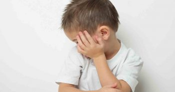 Testimonio de una madre cuyo hijo le han diagnosticado autismo. Tras buscar ayuda en psicólogos y neuropediatras, decide también probar acudiendo a una consulta de biodescodificación.